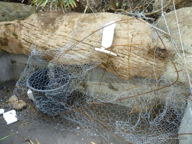 Mur v g tal en faux rochers pour bassin aquatique for Decor rocher piscine