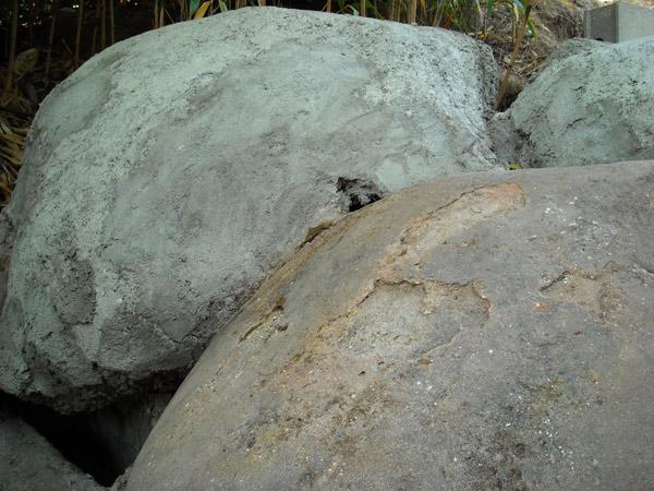 Comment construire une cascade artificielle faux rocher et - Rocher decoratif pour jardin ...